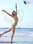 Bộ ảnh bikini và bộ ảnh đi làm từ thiện của thí sinh Miss Parkson (23)